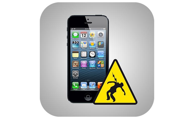 Jovem morre ao atender o iPhone que estava carregando