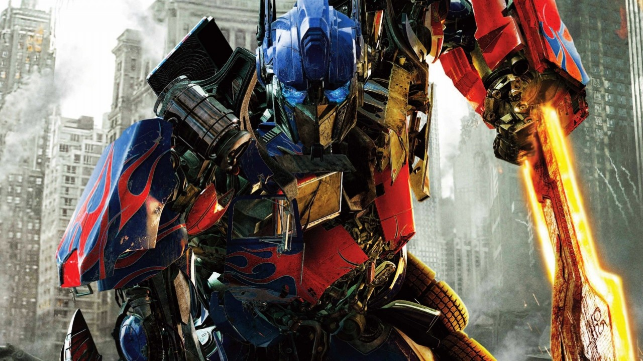 Optimus-Prime-Transformers-Dark-Of-The-Moon-Stills-Movie-720x1280