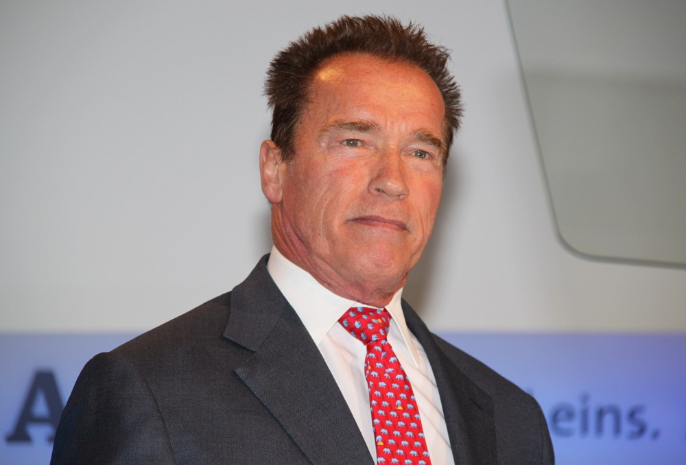 arnold-schwarzenegger-launching-book-total-recall-01