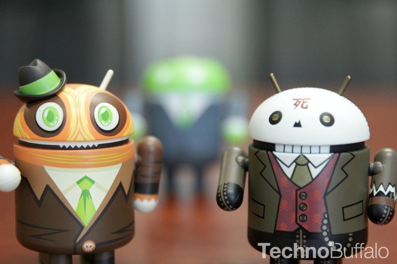 Android-Figure-Huck-Gee-Scott-Tolleson-focused-1280x853