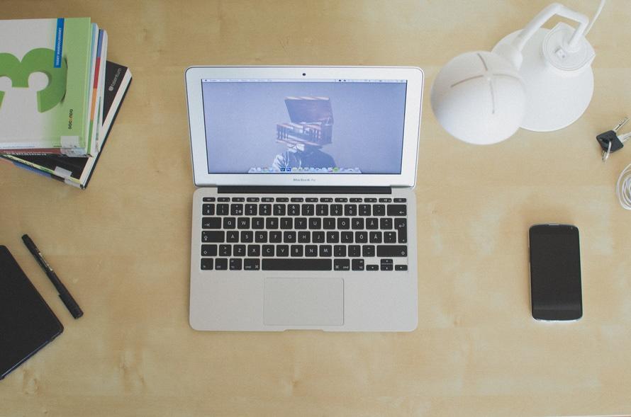 light-apple-books-desk-large